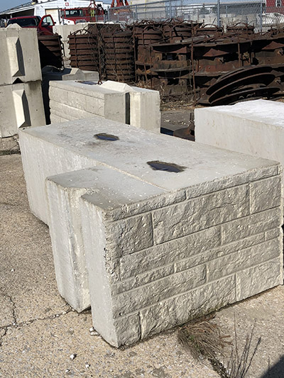 Decorative Corner Retaining Block with Flat Top (2)