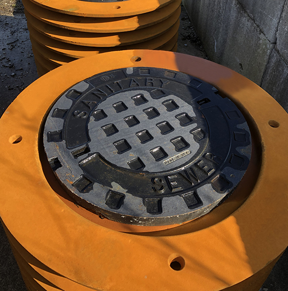 Sanitary Sewer Frame and Cover_576x581